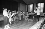 School choir s(w)ings along (3 of 3)