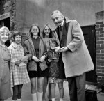 Hughie Green Signs Autographs